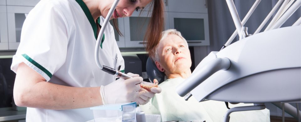 Home Health Care San Diego: Senior dentist Visits With Alzheimer's